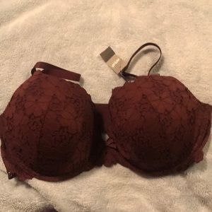 Beautiful brand new Brooke padded lace bra.